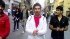 Taksim İstiklal'de Kürtçe Şarkı Söylemek !!!