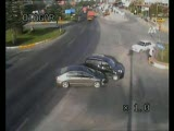 trafik kazası akıl almaz