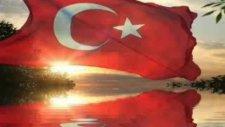 Türk Bayrağı İnmez , Vatan Asla Bölünmez