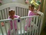 aynı anda hapşuran İkizler