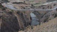 Baraj Suları Altında Kalan Tarihi Görmeli Köprüsü