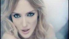 Nazlı - Beni Sevme - Yeni Klip 2010