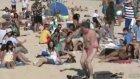 plajda toplu dans gösterisi