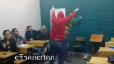 Sınıfta Eğlence Var Mardin Kapısı :))