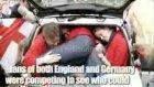 2 kişilik arabaya kaç kişi binebilir!