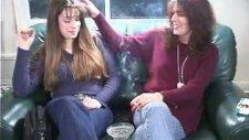 Sigara İçen Kız Ve Annesi