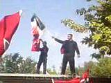 şehit cenazesinde yakılan bayrak ve sloganlar