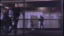 Michael Jackson - Bad - Une Vido Musique