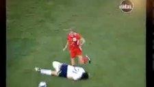 Bu Kadın Futbol Oynamıyor