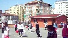 Nihat Erim İlköğretim Okulu 23 Nisan Dans_4