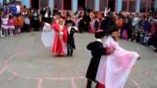 Keçiören Karacaoğlan 1-D 20 Nisan Kafkas Halk Oyun