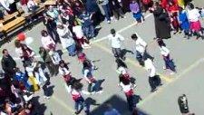 Nihat Erim İlköğretim Okulu 23 Nisan Kolbastı