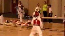 taekwondo maçında müthiş tekme