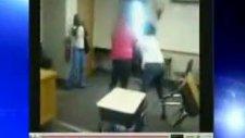Okulda Saçsaça Başbaşa Kavga