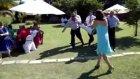 düğünde eşek şakası yapana patladı