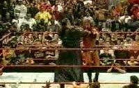undertaker herkesi dövüyo