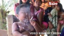 2 yaşında sigara tiryakisi
