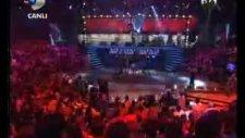 Disco Kralı Efes Kızlarının Muhteşem Gösterisi