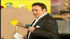 Mahmut Tuncer'in Sunduğu Programda Talihsiz Kaza!.