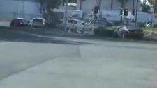 Üstü Acık Arabadan Basket Atıyor