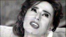 Yıldız Tilbe - Bu Evde Senle - Yeni Klip 2010
