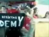 Liverpoollular Beşiktaş Tezahuratı Yapıyor