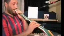 hüsnü şenlendirici vuvuzela çaldı !!