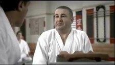 şafak sezer & karate hocası - vodafone reklamı