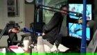 Poposuyla vuvuzela çalan adam