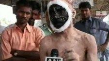 Hindistanda Başıboş Maymun Adam