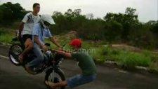 tehlikeli motor gösterisi!