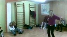 Learn Tecktonik Dans