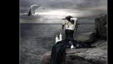 Söylemeyin Bilmesin Aşkıma Dayanamaz Böylesi Acıya
