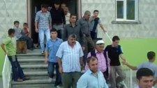 Camii Çıkışı  2010 Ramazan Bayramı Arefesi