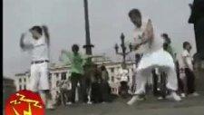 2010 Tekno Dans Mükemmel Remix Müzigiyle Karşınzda