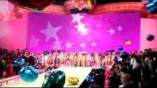 Victoria's Secret - Fashion Show 2010 -