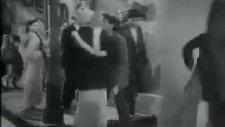 Avara Hoon - Eskimeyen Şarkı Avareyim Orjinali