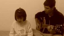 7 Yaşındaki Kızın Aşk Şarkısı.. Fenaa ..!