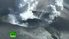 japonya'da yanardağ şiddetli patlamayla uyandı!