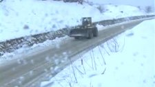 bartında kar yolları kapattı