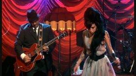 Amy Winehouse - Hey Little Rich Girl