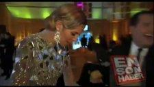 Heidi Klum Kameralar Önünde İç Çamaşırını Çıkardı