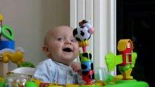Burun Sesine Gülen Bebek