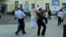 komik danslar
