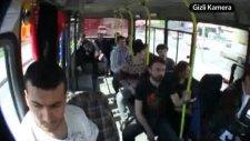 Ulvi Ve Hayrettin - Minibüste Vampir Şakası 2