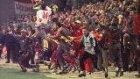 Galatasaray Marsı(Yönetim,futbolcu,taraftar)