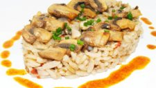 Mantarlı Tavuklu Japon Pilavı Tarifi
