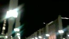 Gökyüzünde Dolaşan İlginç Yeşil Işık