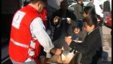 kızılay depremzedelere sıcak yemek dağıttı