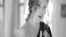 Funda Arar - İkimiz Orjinal Video Klip 2011